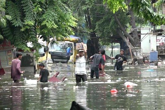 Jakarta status siaga potensi banjir dampak hujan lebat 24-25 Januari