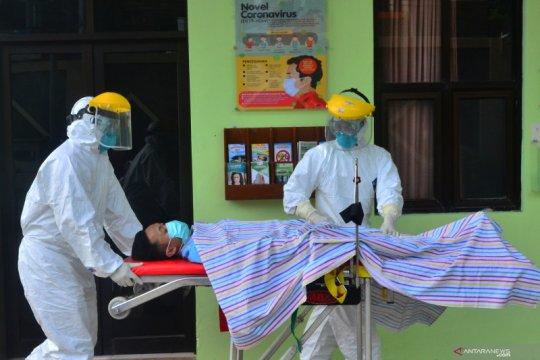 Simulasi penanganan pasien virus corona
