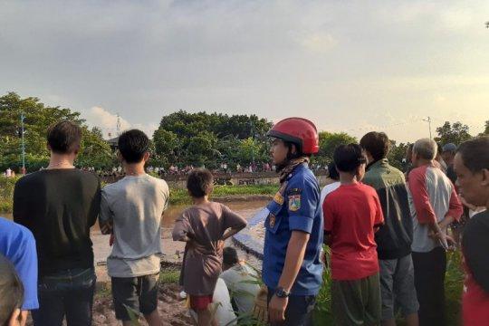 Berenang di Kali Pesanggrahan, bocah 11 tahun tenggelam