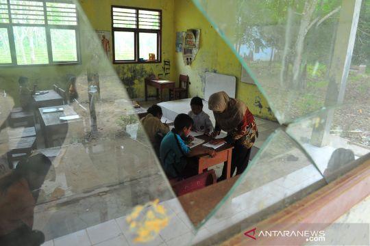 Fasilitas pendidikan untuk Suku Talang Mamak