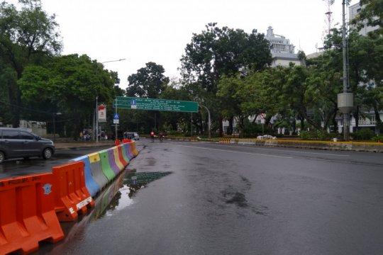 Genangan surut, Jalan Medan Merdeka Barat sudah lancar
