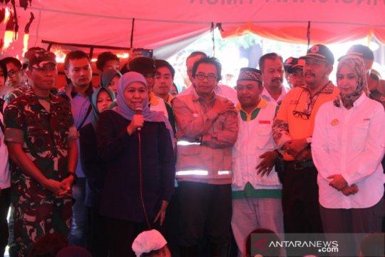 Khofifah berikan semangat pengungsi banjir di Jember