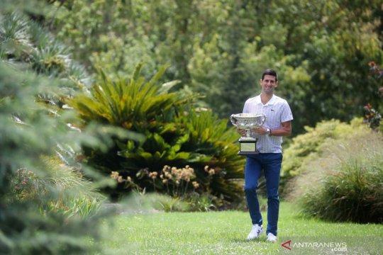 Sesi foto juara tunggal putra Australia Terbuka Novak Djokovic