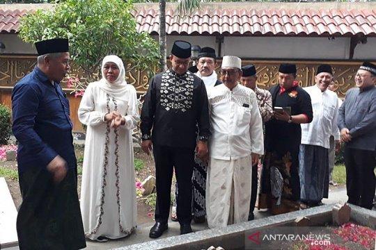 Sejumlah tokoh nasional hadiri pemakaman Gus Sholah