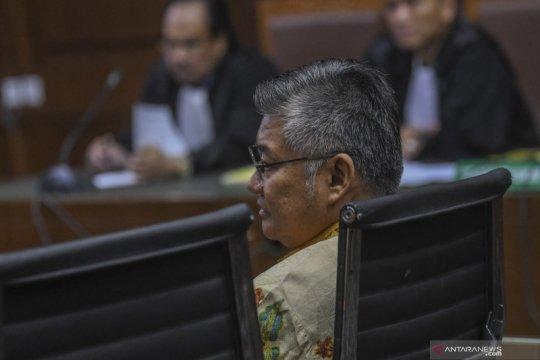 Suap kepala kantor pajak, Darwin Maspolim divonis 3 tahun penjara