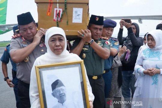Gus Sholah wafat, HNW: Bagai kehilangan guru bangsa dan panutan umat