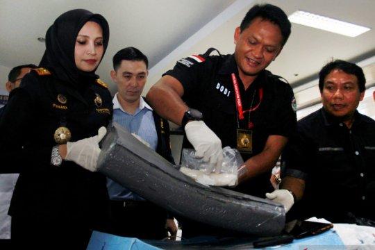 Penyelundupan sabu di dalam bantal kesehatan