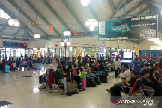 Cuaca buruk pengaruhi penerbangan di Bandara Sam Ratulangi