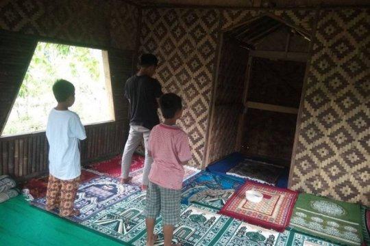Warga pengungsi bencana banjir bangun sarana ibadah