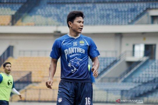 Pelatih Persib akui kepergian Jufrianto karena persaingan posisi bek