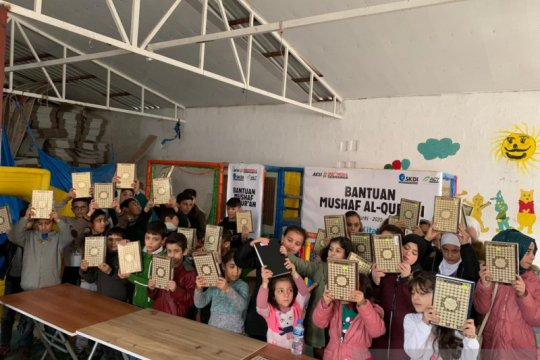 ACT salurkan ratusan alquran dan bantuan pangan untuk pengungsi Suriah