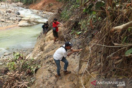 TNI akan bangun akses kendaraan ke tiga kampung di Cileuksa Bogor