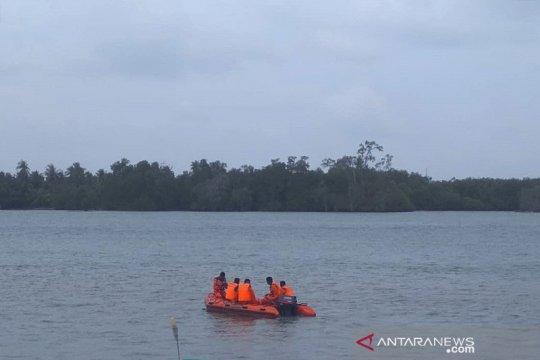 Tim Basarnas Bangka Belitung lakukan pencarian nelayan hilang
