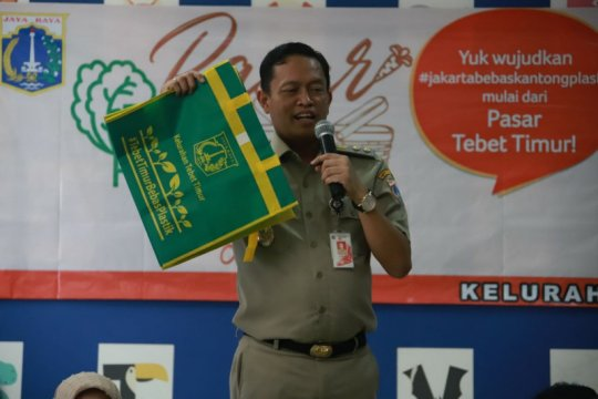 Warga Tebet Timur diminta mulai bawa kantong belanja ramah lingkungan