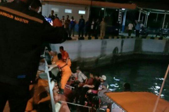 KMP Salvatore mati mesin, semua penumpang dievakuasi