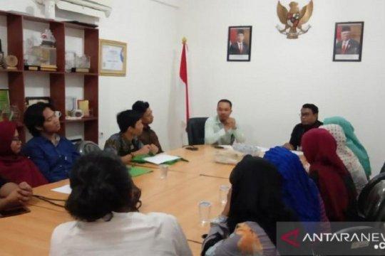 Tujuh sekolah di Pekanbaru diduga tahan ijazah siswa