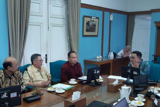 Ridwan Kamil dorong PWI Jabar gelar HPN 2022 di Bandung