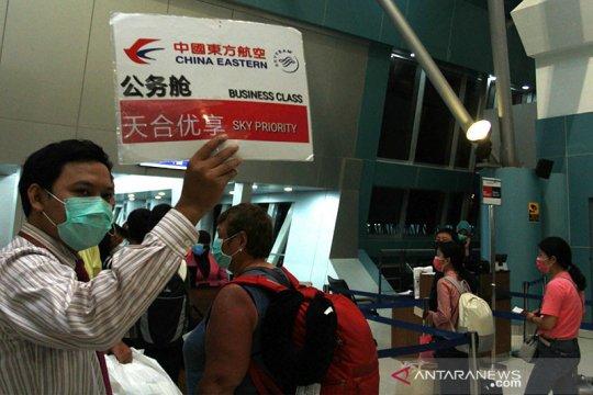Pengamat: Penutupan rute penerbangan ke China tak membuat rugi
