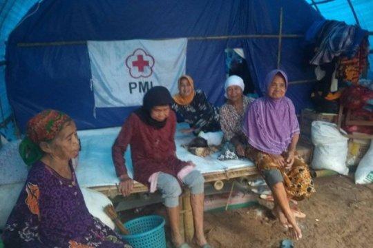 Warga korban banjir di Lebak dambakan rumah hunian sementara