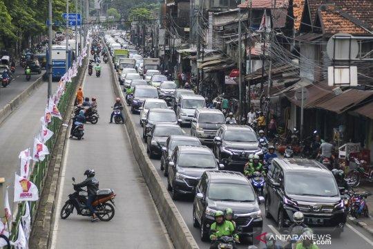 TransJakarta tegaskan komitmen larangan kendaraan masuk jalur busway