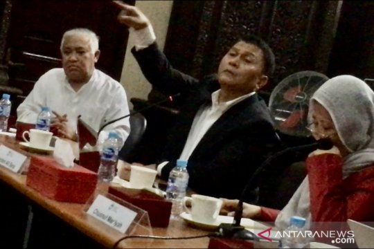PKS: Perppu KPK tidak jadi harusnya minta maaf