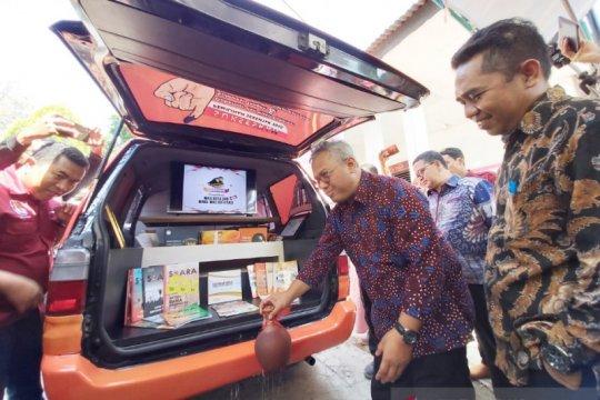 Arief Budiman resmikan pengoperasian Mobil Pintar Pemilu Kota Palu