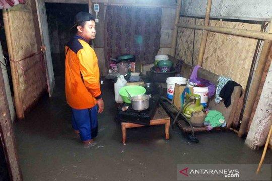 Puluhan rumah di dua kecamatan di Jember terendam banjir