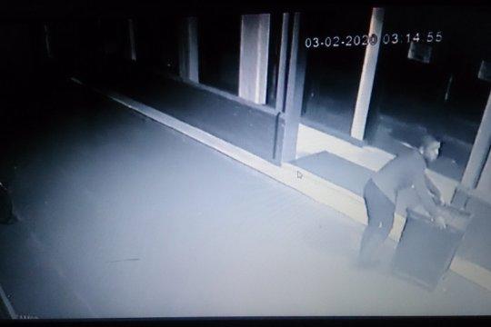 Pencuri kotak amal masjid sudah tiga kali lakukan aksinya