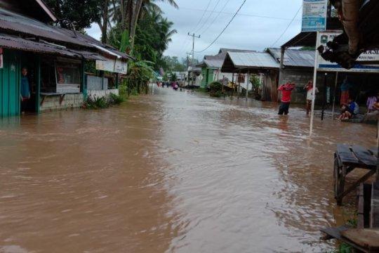 Dinas Kesehatan Pasaman Barat siapkan obat-obatan untuk korban banjir