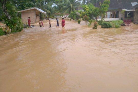 Banjir Ranah Batahan Pasaman Barat berangsur surut