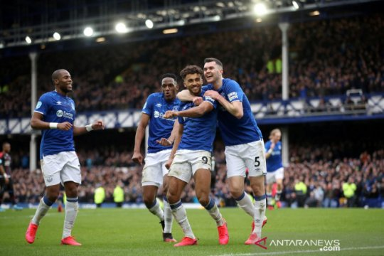 Pemain Everton mendongeng hibur penggemar lewati masa swakarantina
