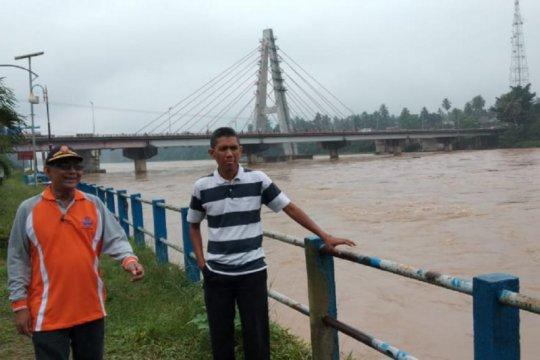BPBD Dharmasraya imbau warga aliran Batanghari waspada
