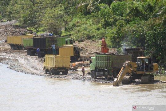 Pengembalian fungsi konservasi DAS solusi atasi banjir, sebut BNPB