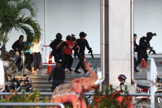 Polisi bunuh  penembak massal di mal perbelanjaan Thailand