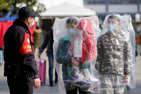 Korban jiwa di China daratan akibat corona capai 2.236 orang