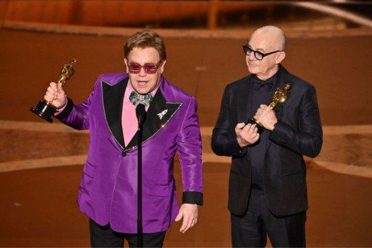 "Elton John raih Oscar untuk film biopiknya ""Rocketman"""