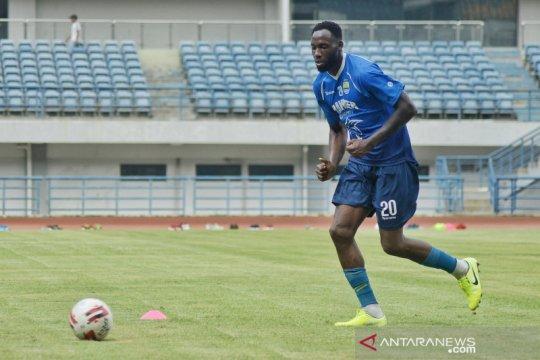 Pelatih Persib Bandung masih tunggu kedatangan Geoffrey Castillion