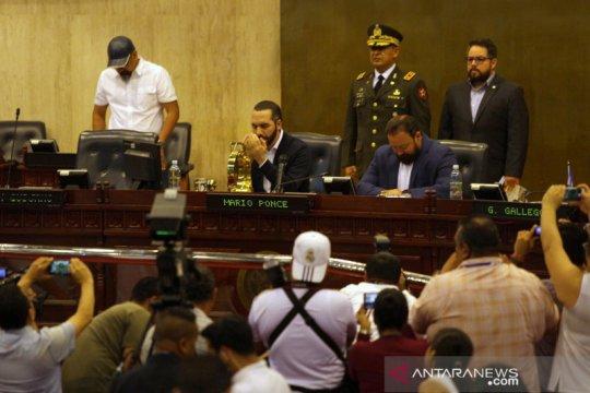 El Salvador izinkan penggunaan kekuatan mematikan melawan gerombolan