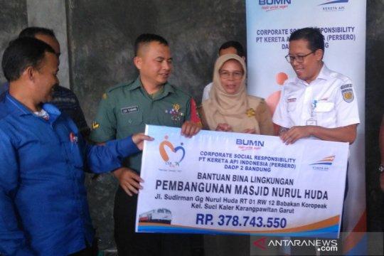 KAI salurkan Rp378 juta untuk masjid sekitar reaktivasi rel di Garut