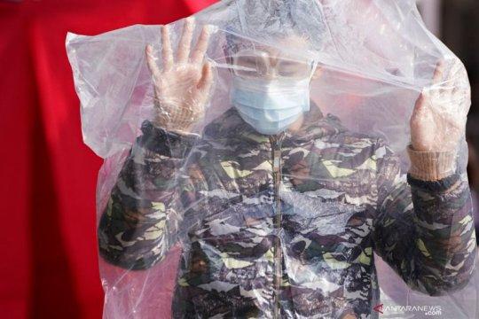 Aneka cara warga lindungi diri dari virus Corona Page 2 Small