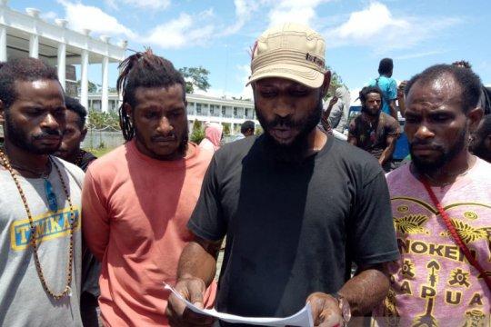 Pemkab Mimika-PT Freeport diminta perhatikan mahasiswa Papua