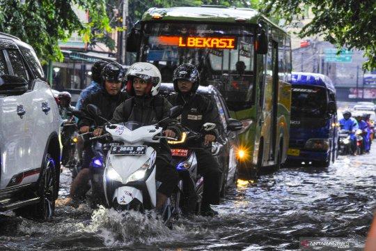 Banjir di jalanan Bekasi