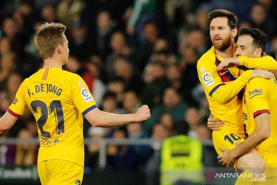 Liga Spanyol: Barcelona atasi Betis 3-2