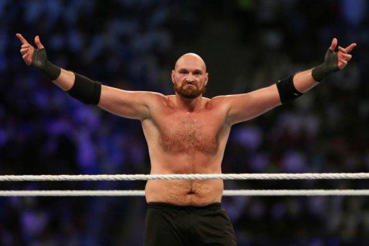 Tyson Fury cerca Anthony Joshua soal tanding ulang