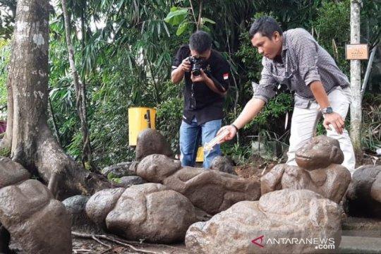 Polisi periksa temuan patung di Batu Mahpar Tasikmalaya