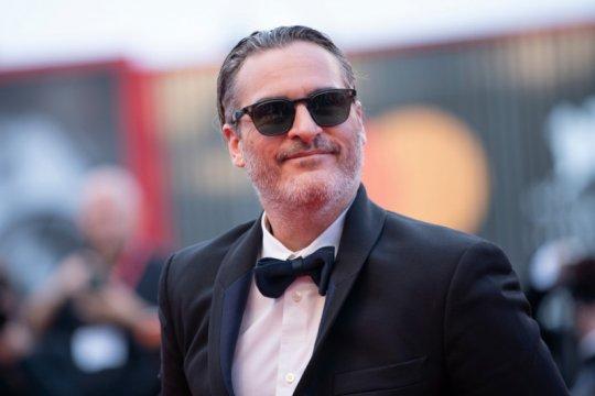 "Joaquin Phoenix berperan sebagai Napoleon Bonaparte di film ""Kitbag"""