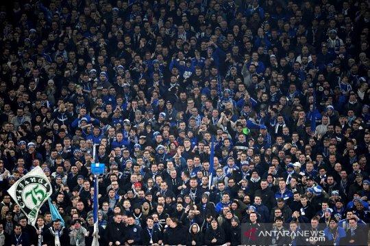 Schalke didenda 50 ribu euro akibat sorakan rasial suporter