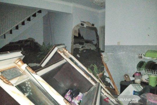 Longsor di Bandung Barat akibatkan 10 rumah rusak