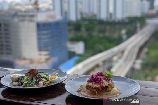 "Malam ""Valentine"" romantis dengan pemandangan Jakarta dari ketinggian"