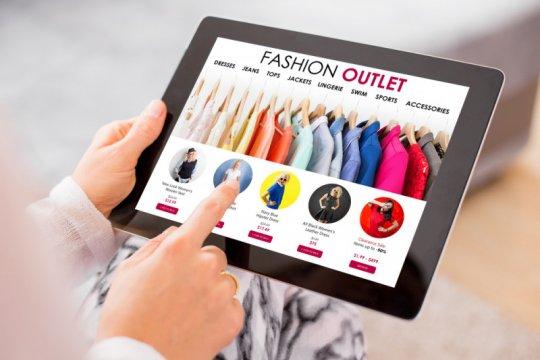 """Produk fashion masih jadi yang terfavorit di """"e-commerce"""""""
